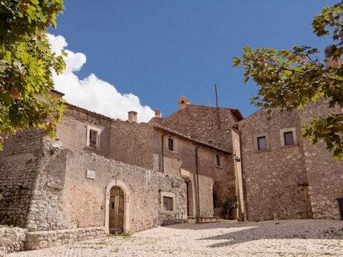Santo Stefano di Sessanio | Cosa vedere e come visitare Santo Stefano di Sessanio
