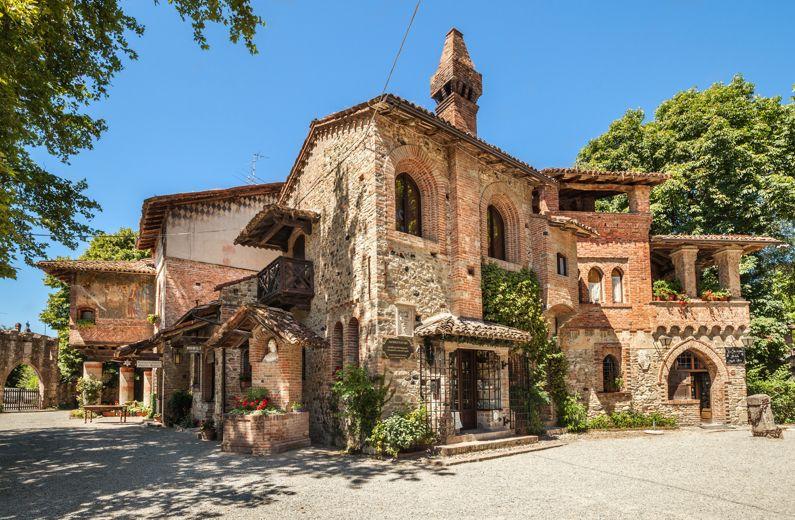 Grazzano Visconti (PC) | Cosa vedere nel borgo dell'Emilia - Romagna