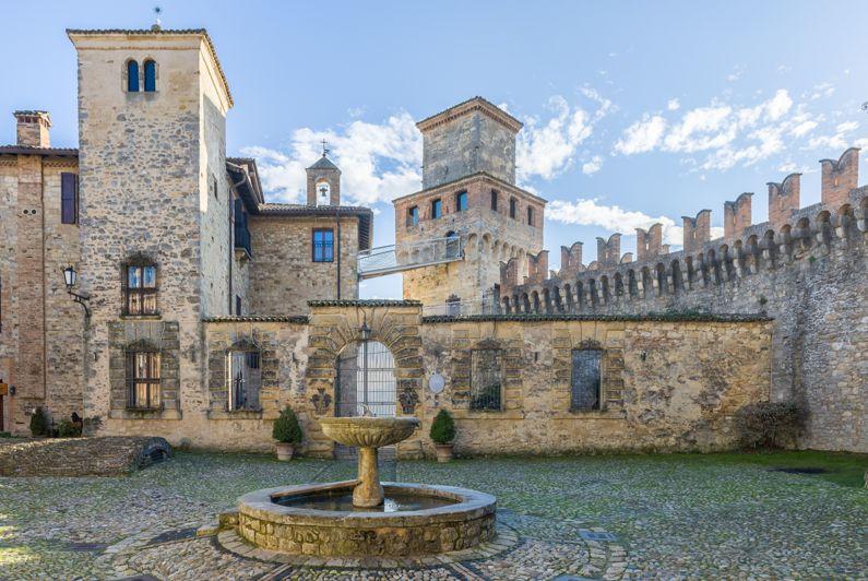 Vigoleno (PC)   Cosa vedere nel borgo dell'Emilia - Romagna