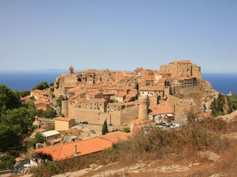 Giglio Castello (GR) | Cosa vedere nel borgo toscano