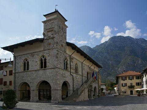 Venzone (UD) | I monumenti e i luoghi più belli da vedere nel borgo