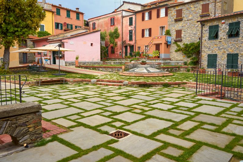 Cosa vedere vicino Tellaro (Montemarcello) | Borghi Storici)