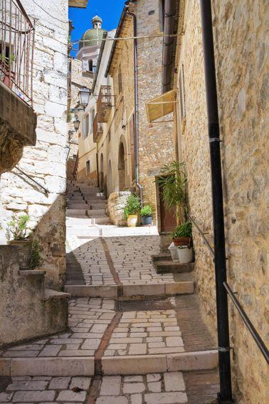 Pietramontecorvino (FG)   Cosa vedere nel borgo pugliese
